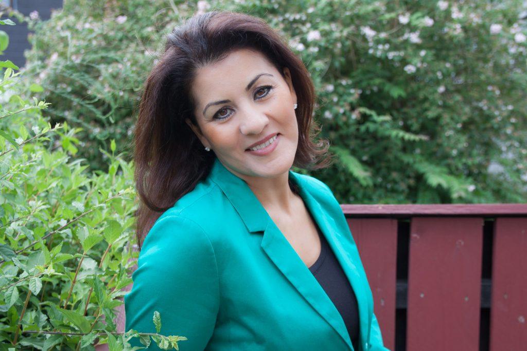 Samira Schablack im Garten